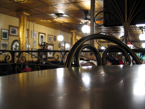 cafe-table-1514744